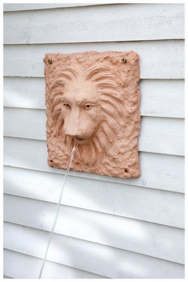 Lejonhuvud till fontän stengodslera